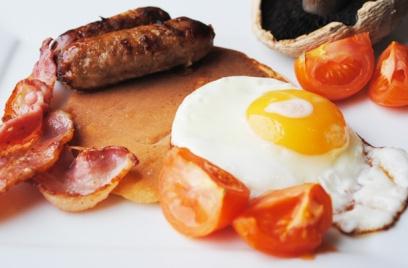 Full-English-breakfast-pancakes