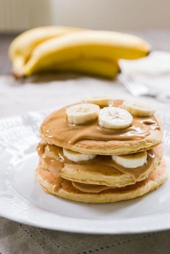peanut-butter-banana-pancakes-1